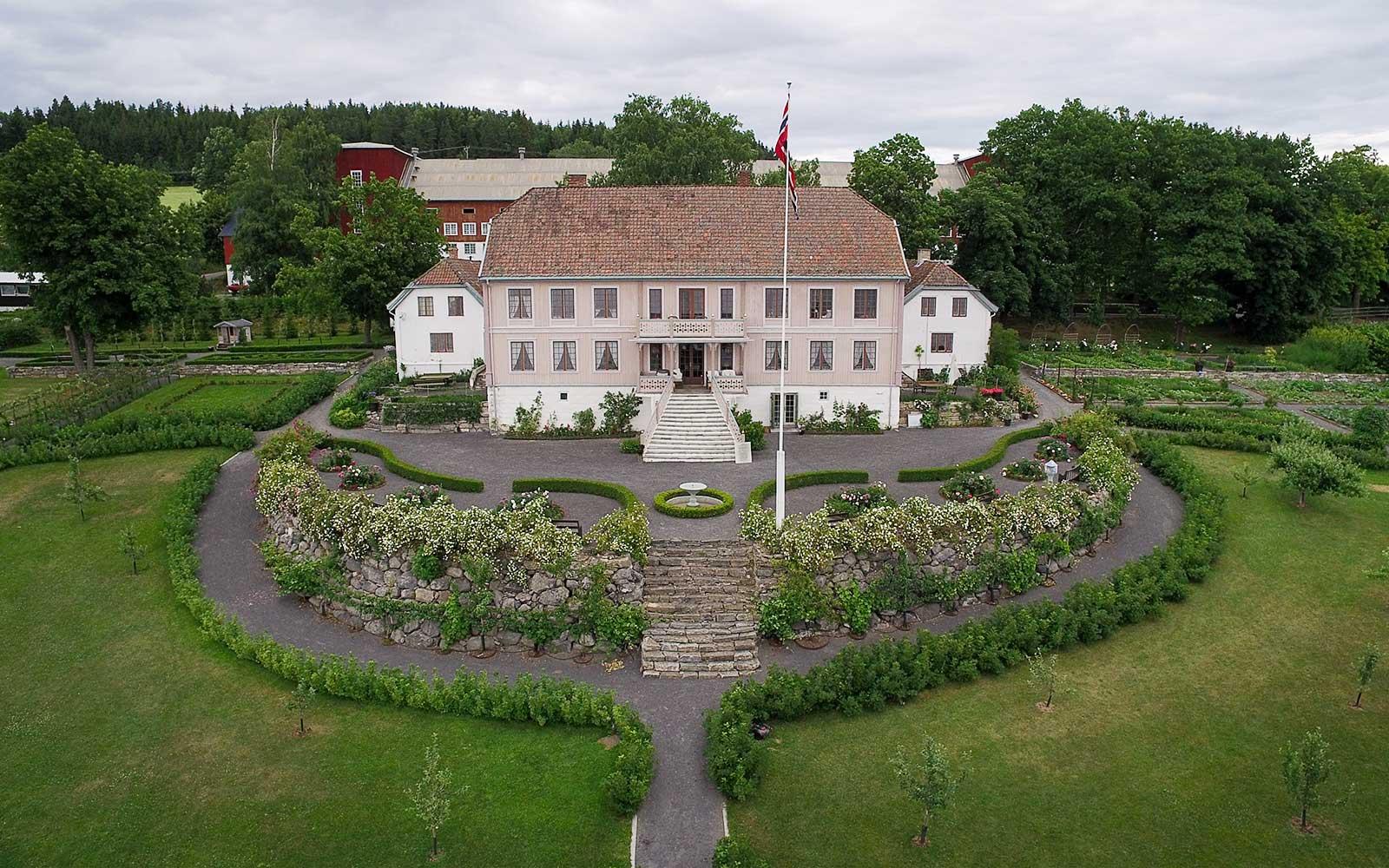 Den historiske hagen - Hovelsrud Gård